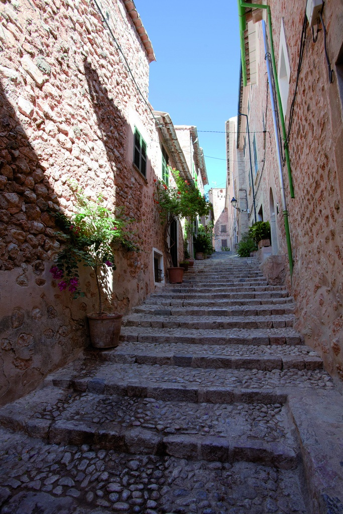 A back street in Soller in Mallorca