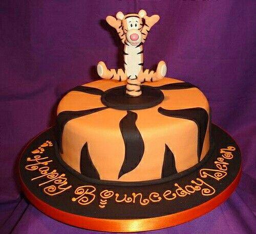 """Happy bounceday"" Tigger cake"