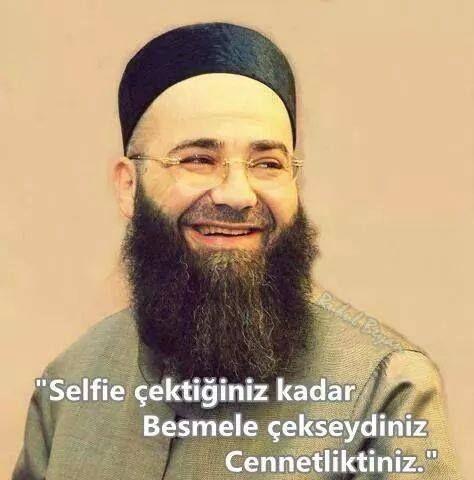 Selfie çektiğiniz kadar besmele çekseydeniz cennetliktiniz.  - Cübbeli Ahmet Hoca  #ahmetmahmutünlü #cübbeliahmethoca #mizah #matrak #komik #espri #sözler #anlamlısözler #güzelsözler #özlüsözler #alıntılar #alıntı