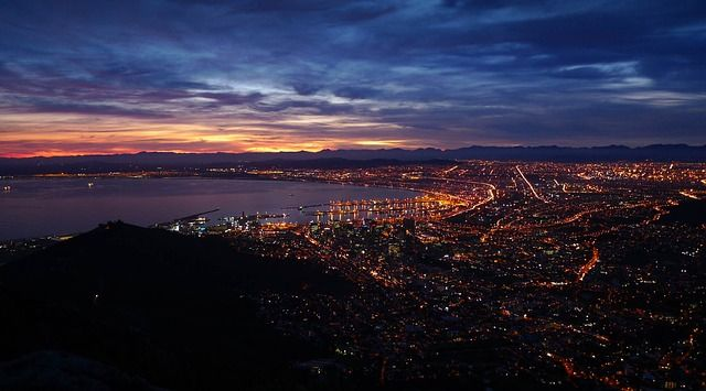 Cape Town South Africa is called Mother City. Find about its accommodation, location, map, facts, restaurants, best time to visit, things to do, attractions, more