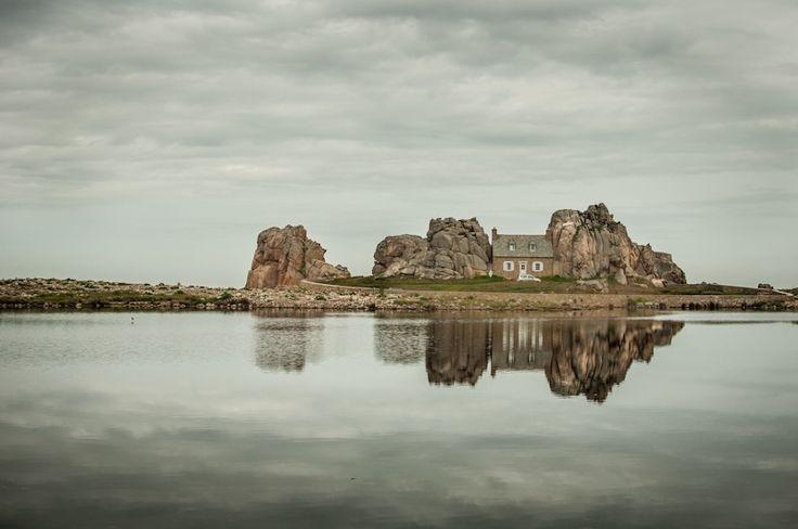 House between the rocks - Bretagne