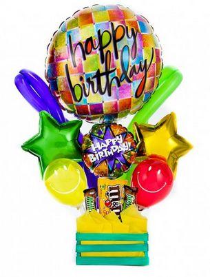 """Arreglo de globos """"Happy Birthday"""" cuadros de colores y un toque especial. https://azapregalos.com/florerias/df/globos/arreglo-de-globos-happy-birthday-cuadros-de-colores"""