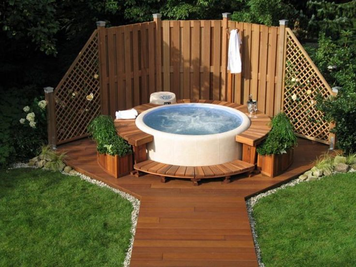 Architecture: Comfy Round Outdoor Hot Tub With Wooden Deck Also ...