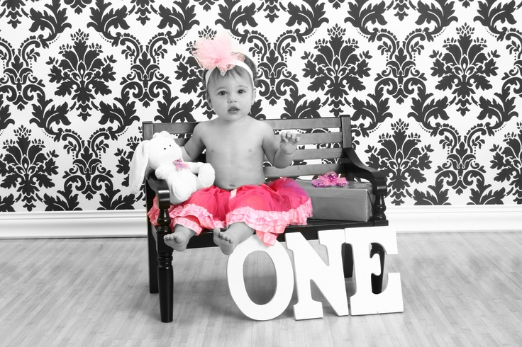 how make a wedding cake 1st birthday pics i the word one spelled out 15405