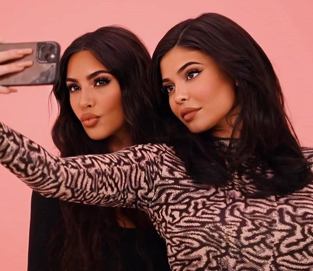 Pin By Riah Brianne On Kylie Jenner Kim Kardashian Kylie Jenner Kylie Kristen Jenner Kardashian Jenner