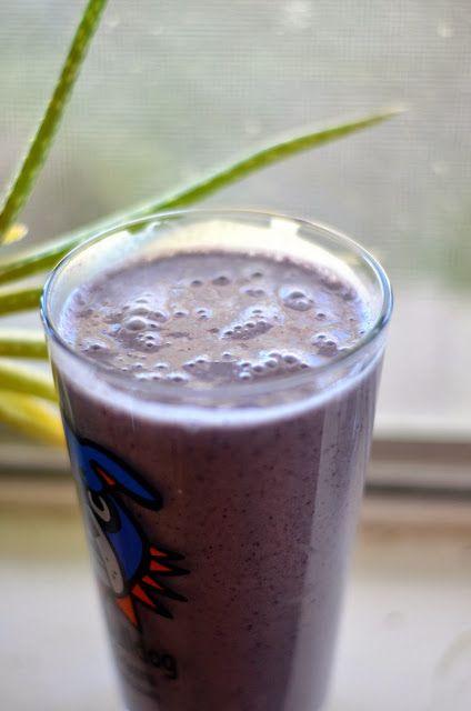 vegan blueberry almond butter smoothie | Vanishing Veggie Blog | Pint ...