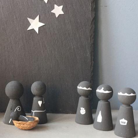 een kerststal zelf maken van peg dolls