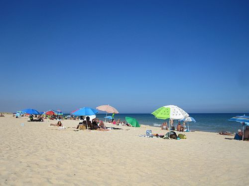 This wonderful beach in #Santa #Luzia is one of the big secrets of the #Algarve. The Portuguese know all about it!!