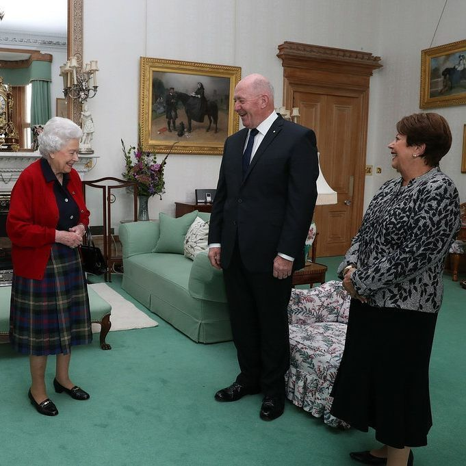 General Sir Peter Cosgrove, the Governor-General of Australia with Lady Cosgrove as they meet Queen Elizabeth, Queen of Australia during a private audience in the Drawing Room at Balmoral Castle on September 21, 2017 in Aberdeenshire, Scotland.  #HMTheQueen #QueenofAustralia #QueensRepresentative #GovernorGeneral #PeterCosgrove #Australia #Australian #CrowninAustralia #AustralianMonarchy #PrivateAudience  via ✨ @padgram ✨(http://dl.padgram.com)