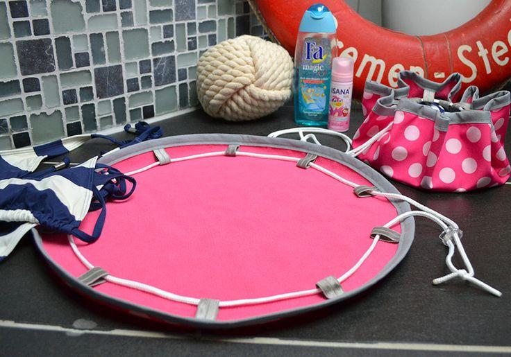 Badematte to go aus Softshell pink mit rosa Punkten - ein Designerstück von Blauwalfluke bei DaWanda