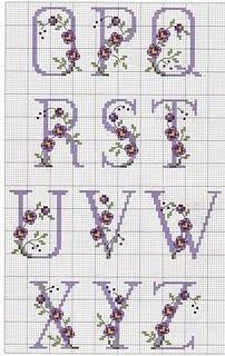 Letteratura e Arti Lala: monogramma a punto croce