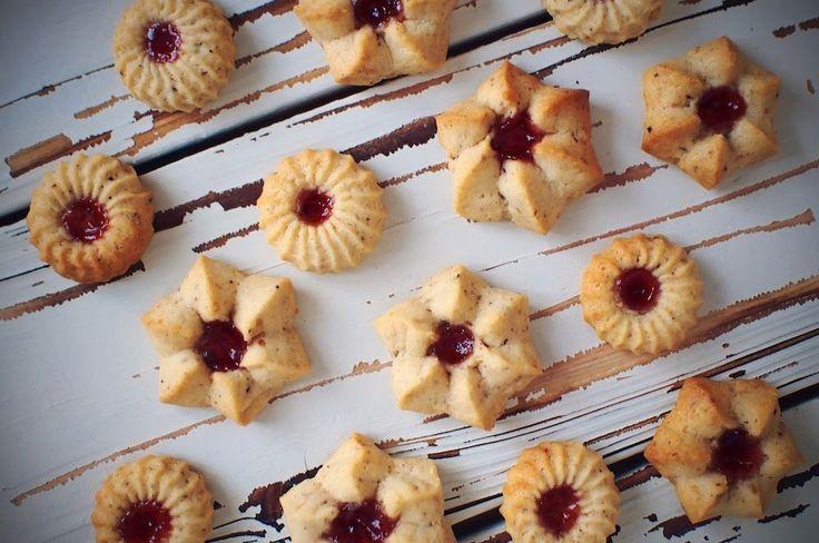 Миндальное печенье с повидлом (желе) из красной смородины