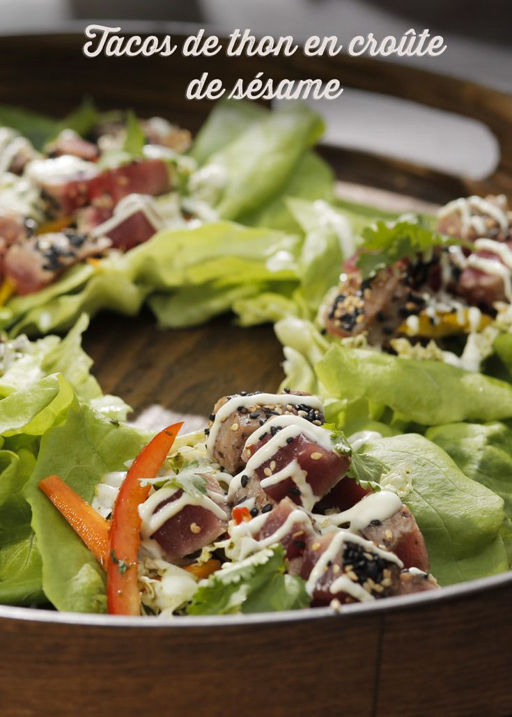 Tacos de thon en croûte de sésame de Kimberly Lallouz sur Zeste.tv - #chefkimberlylallouz #chefzeste #zestetv #recetteszeste #zeste #chefkimberly #tvshow #gardenparty #outdoor #bbq #recipes #fresh #summer #tacos #tuna #thon #sesam #salad #asiatique #party #bridesmaid