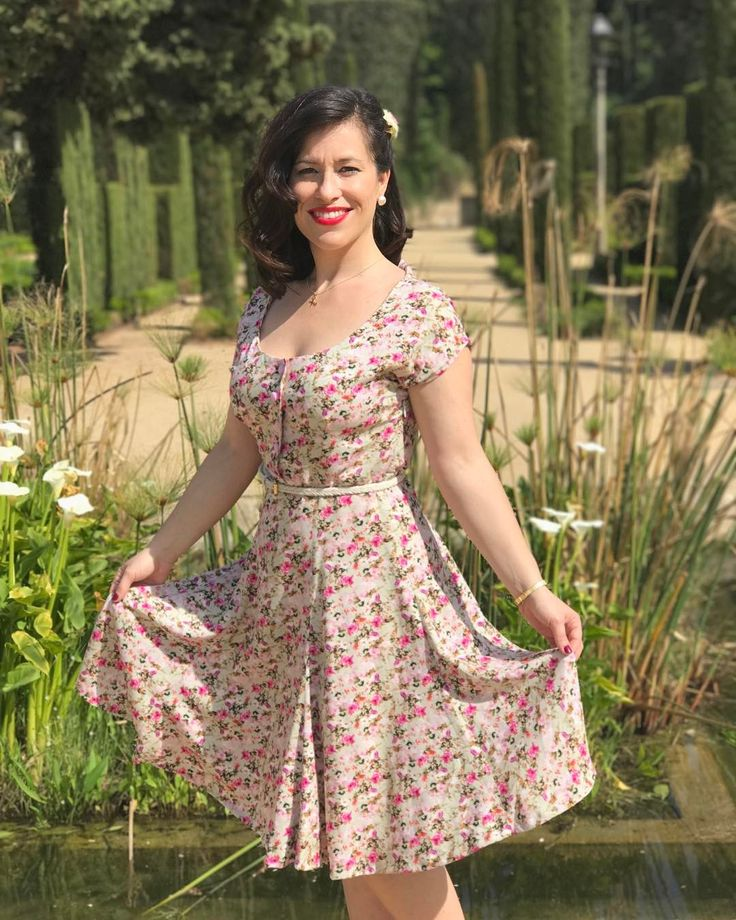 Today I'm wearing this beautiful Doris Dress by Sew Over It