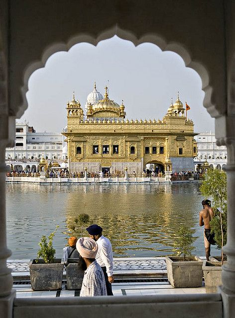 Golden Temple of Amritsar, India    Sikhpoint.com