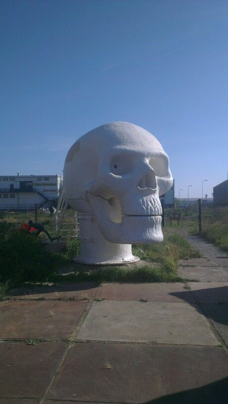 Joep van Lieshout Skull, Rotterdam NL