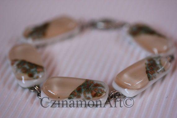 Pale pink leaf Light pink Fused Glass Bracelet by CzinamonArt, €29.00