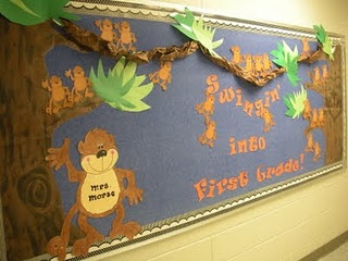 This is way more detailed than my monkeys and frog bulletin board but still cute!