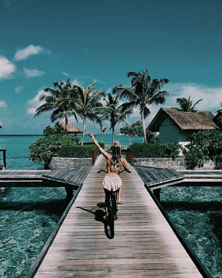 caribbean | ocean | vacation time | palm tree | blondie | bike | Fitz & Huxley | www.fitzandhuxley.com