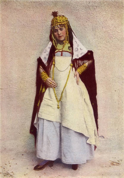 Dancer of the Cafes, Algeria. from: http://en.wikisource.org/wiki/National_Geographic_Magazine/Volume_31/Number_3/Gypsies_and_Moors_in_Northern_Africa 1917 National Geographic
