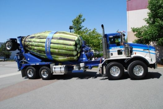 You can't not love a wrap like this, vinyl being put to the best use ever here on this cement mixer! #Reforma