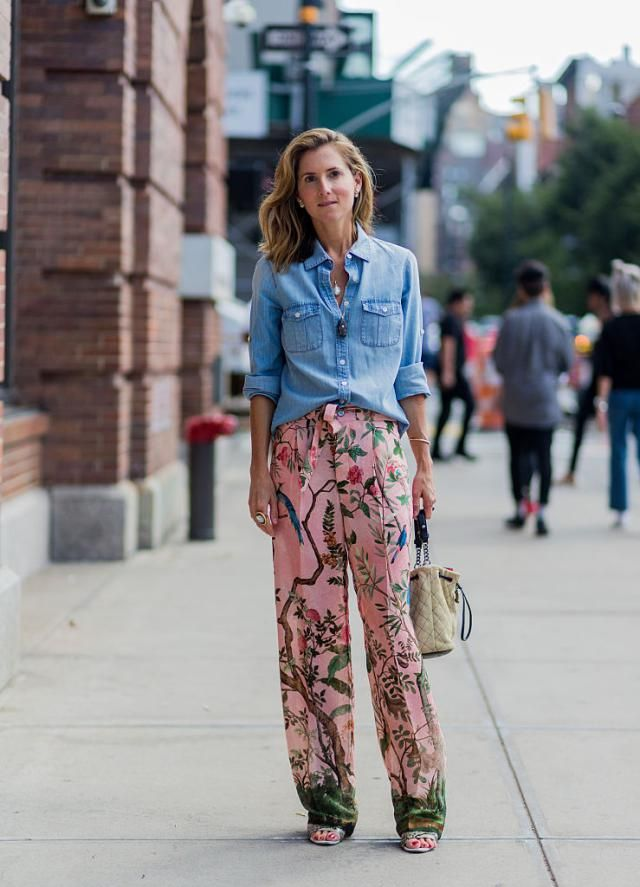 27 Stylish Denim Outfits That Are Basically Life Goals: Denim Shirt and Floral Pants