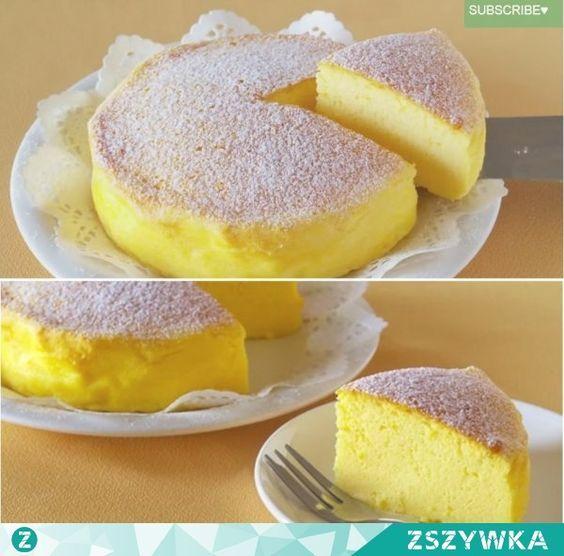 Zobacz zdjęcie Potrzebujesz tylko 3 składników aby zaskoczyć wszystkich przepysznym, oryginalnym ciastem. Zobacz jak łatwo i szybko możesz upiec rewelacyjne ciasto. Potrzebujesz tylko 3 jajek, 120 g białej czekolady i 120 g kremowego twarożku. Oddziel białka od żółtek i schowaj je do lodówki. Rozpuść czekoladę nad gorącą wodą, a następnie wymieszaj ją z twarożkiem. Dodaj 1/3 ubitych wcześniej na sztywną pianę białek. Całość dokładnie wymieszaj, dodaj resztę białek i jeszcze raz wymieszaj…