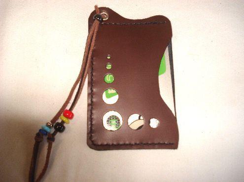 パスケース ステッチは黒です。|ハンドメイド、手作り、手仕事品の通販・販売・購入ならCreema。