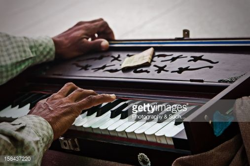 Stock Photo : Playing hands