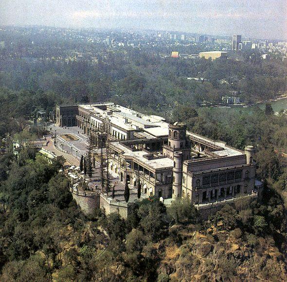 Castillo de Chapultepec MAXIMILIANO Y CARLOTA EL CASTILLO Y SUS ALREDEDORES , LAGOS, PARQUES, HISTORIA, ABOLENGO