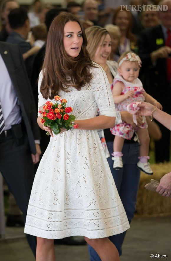Kate Middleton s'affiche dans une robe en broderie anglaise de la maison australienne Zimmermann.