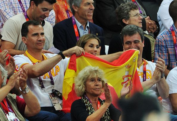 Crown Princess Letizia of Spain Photos Photos - Prince Felipe (L) and Crown Princess Letizia of Spain celebrate during the Women's Handball Bronze medal match between Spain and Korea on Day 15 of the London 2012 Olympics Games at Basketball Arena on August 11, 2012 in London, England. - Olympics - Day 15 - Royals at the Olympics