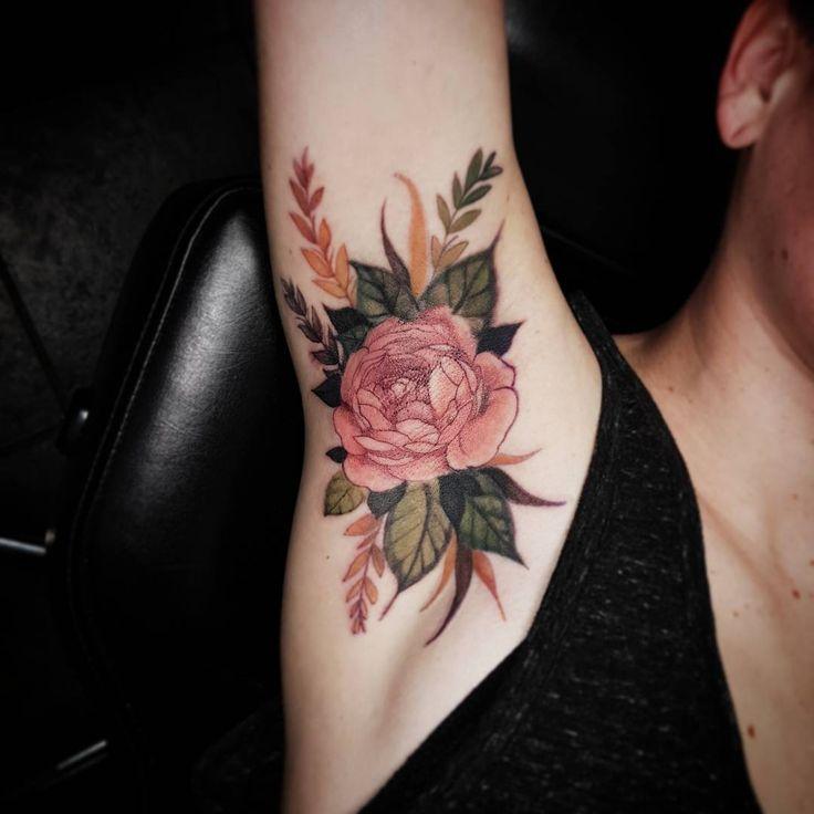 armpit tattoos influencer lassen sich jetzt die. Black Bedroom Furniture Sets. Home Design Ideas