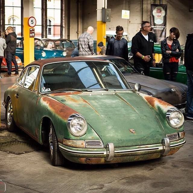 Look at the Patina. That car looks fantastic. Uber cool Simon Wright on the 911 #porsche