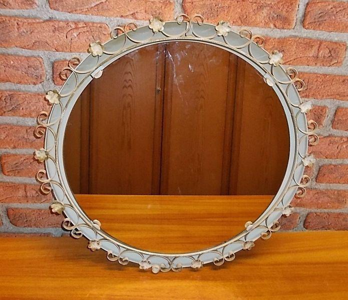 ✿ Vintage✿ Beleuchteter Spiegel shabby chic 70er von LOOKandVINTAGE auf DaWanda.com