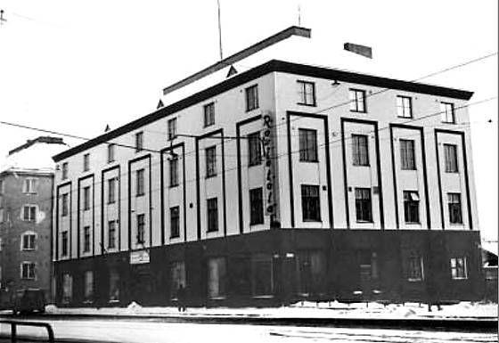 Vallilan työväentalo on tässä kuvattu 1970 vähän ennen purkamista.