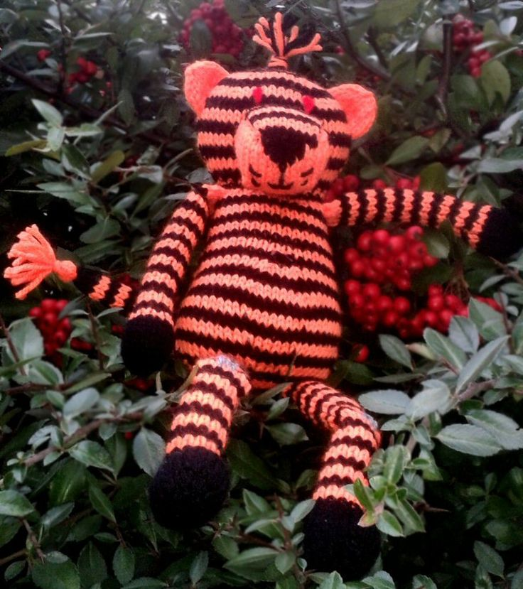 The final toy from the Sirdar Free knit-along Noah's Ark Pattern Set is Tilly Tiger.  This one has been slightly amended from the original by Dawn.  The Demonic Eyes were requested by her daughter Jo :-)   You can download the free patterns from the Sirdar website or our Sirdar page online.