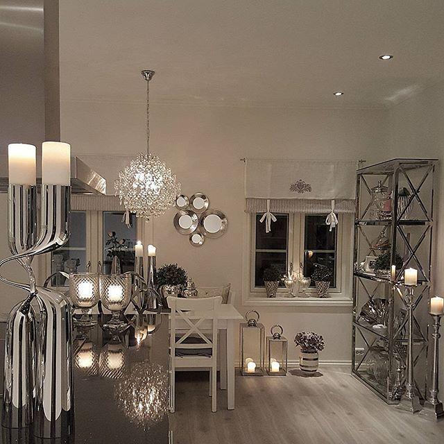 Innom for å ønske dere en fin lørdagskveld 🙃☺🙃 #interiorharmoni #shabbyyhomes #instahome #interior125#charminghomes #interior123#inspire_me_home_decor #dream_interiors #classyinteriors #hem_inspiration #finehjem #passion4interior #myhome #interior9508 #kitcheninspo #kitchendetails #homedesign #homedeco #glam#chandelier #pretty_home #the_real_house_of_ig #wonderfulrooms #thestyleluxe #homesweethome #homeforinspo#georgjensen #mystyle#classicliving
