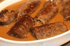 Fyllda Lövbiffrullader med bacon, dijonsenap och pepparrot.