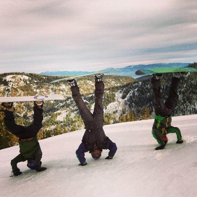 A yoga snowboard fusion.Photo credit: @brianpatrick420 on Instagram.