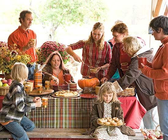 A week-by-week guide to help your family create a casual family reunion picnic…