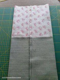Un facilissimo tutorial di cucito creativo su come creare un sacchetto di stoffa milleusi con spiegazione, foto e download gratuito del cartamodello.