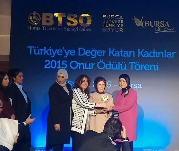 Bugünün #tbt resimi BTSO'nun katkılarıyla Sheraton Bursa'da düzenlenen ve Sayın Cumhurbaşkanımızın eşi Sayın Emine Erdoğan'nın katıldığı Türkiye'ye Değer Katan Kadınlar 2015 Onur Ödülü Töreni'nden gelsin. #sheratonbursa