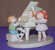 """1985 Cabbage Patch Kids Figurine """" THE ENTERTAINERS """" Xavier Roberts Porcelain"""