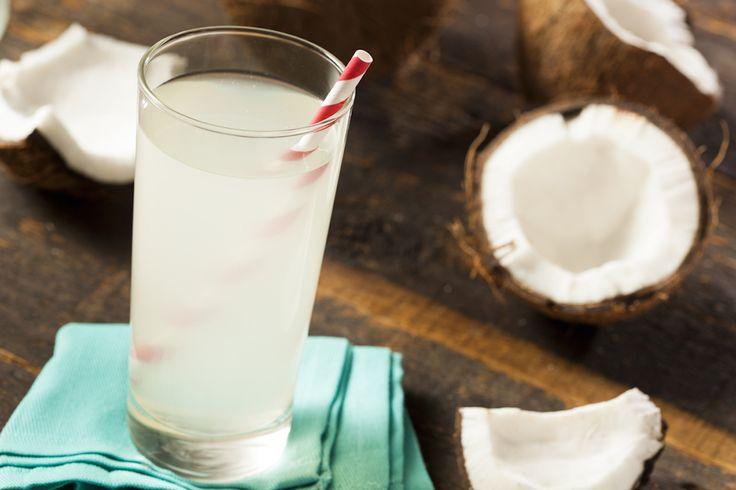 L'acqua di cocco è davvero così miracolosa come tutti dicono? Gli straordinari benefici che derivano dal consumo dell'acqua di cocco cambieranno la tua vita.