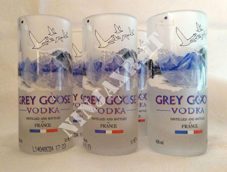 Questa volta ho realizzato una serie di shot utilizzando le bottiglie mignon 5 cl. di Vodka Grey goose