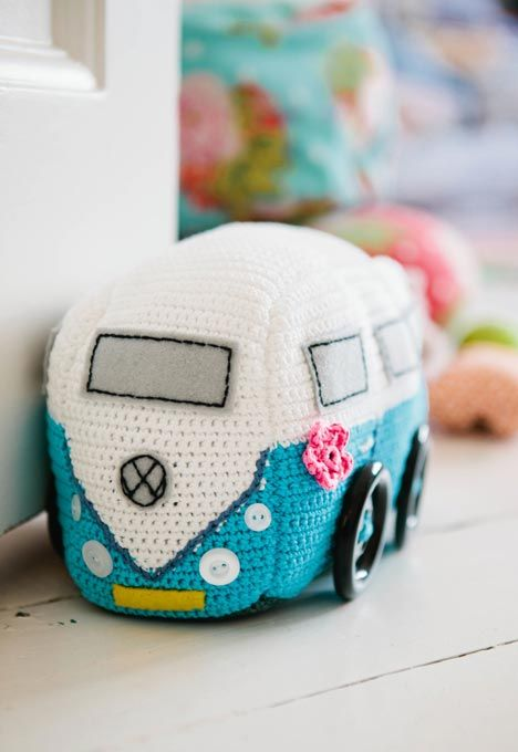 VW Van Doorstop~ Inside Crochet Issue 50