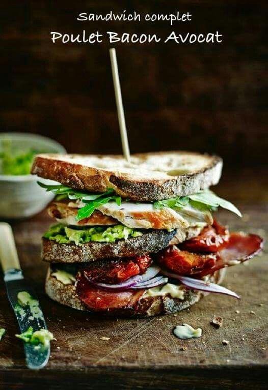 Sandwich complet Poulet Bacon Avocat