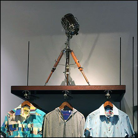 Robert Graham Professional Spotlight Prop