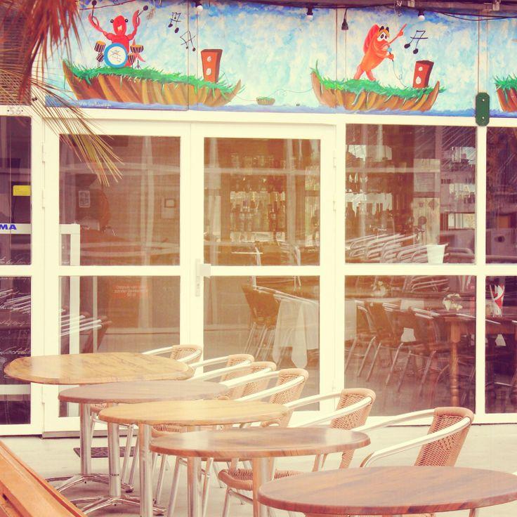 A door among the cafe terrace.
